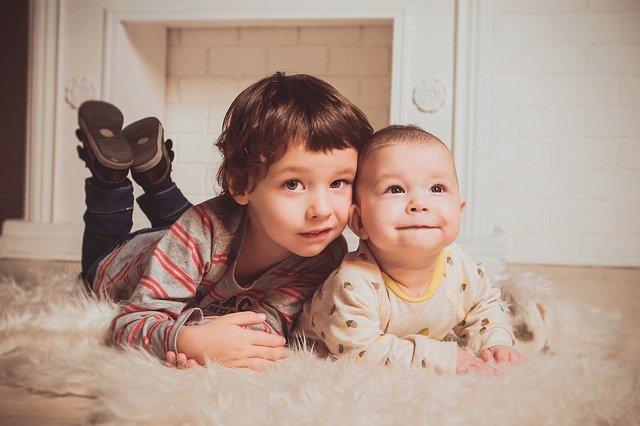 2人の海外の子供